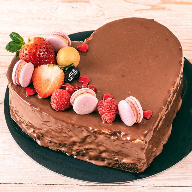 Chocolate Mouse Love Cake